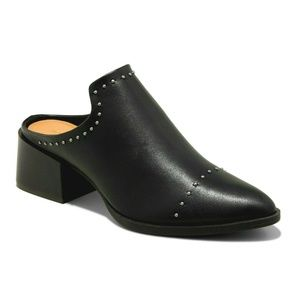 Universal Thread Crista Studded Pointed Toe Mules